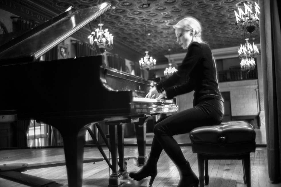 Magdalena Baczewska in the Teatro of the Italian Academy, 2019.